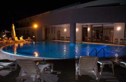 hotel_pool_11
